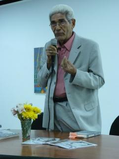 """Presentación del poemario """"Beber de la sombra"""" de Victor Fuenmayor Ruiz"""