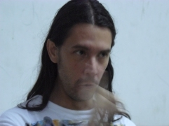 El poeta Carlos Luis Sánchez en la FEDA